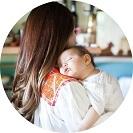 Hogy állítsuk meg a szülés utáni hajhullást?